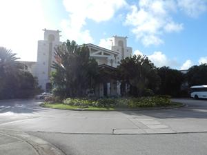 ホテル入口前景