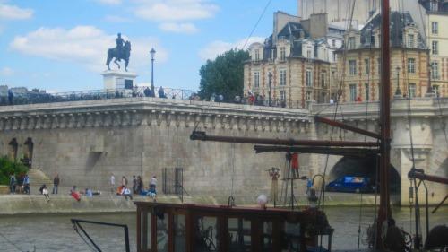 5月12日パリ