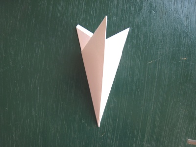 月見草のモチーフのヘアゴム 型紙 さらに半分に折る