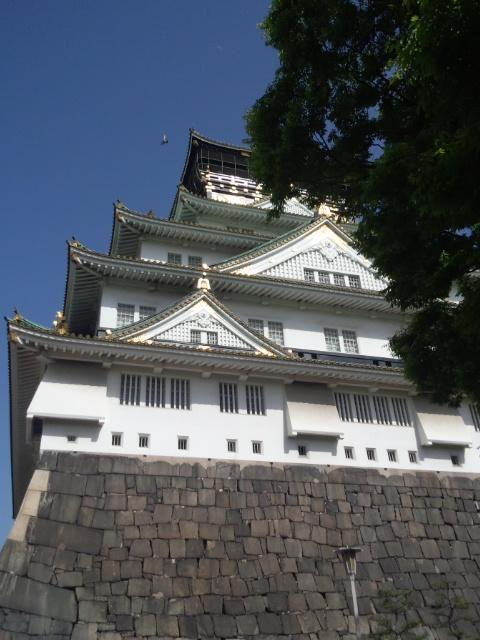 西からの城です