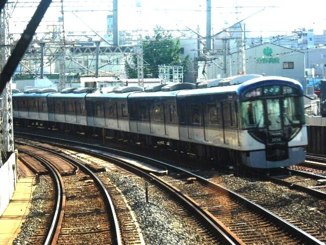 ぶれちゃん←3006F通勤快急中之島