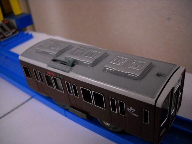 改造プラレール阪急8000系を唯一無二のアームパンタ8連に・・・その1