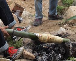 竹を使ってバームクーヘン作り