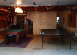 プールテーブルと卓球台