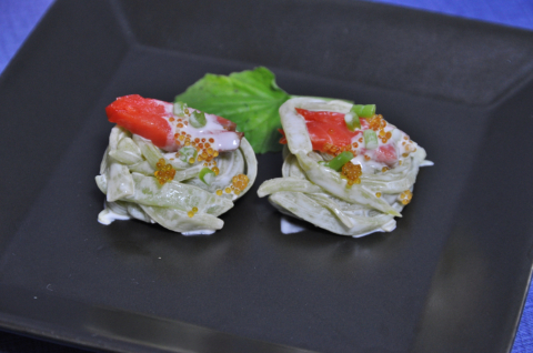 イタドリのサラダ