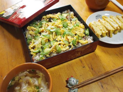 昼食☆ちらし寿司&玉子焼き&ワンタンスープ