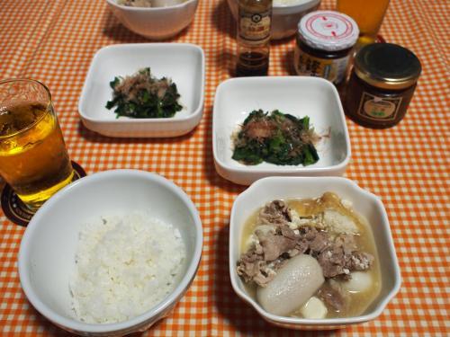 朝食☆厚揚げと里芋と豚肉の煮物&ほうれん草おかかのせ