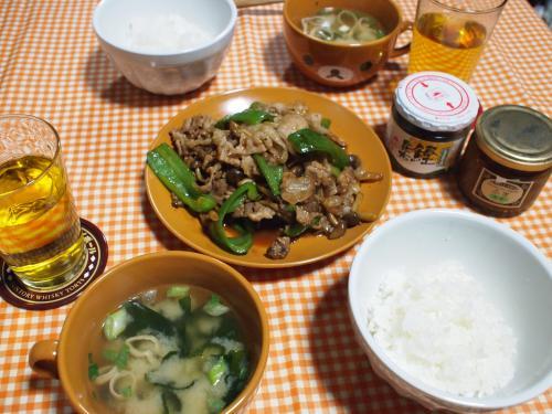 朝食☆豚肉としめじとピーマンの焼肉のたれ炒め