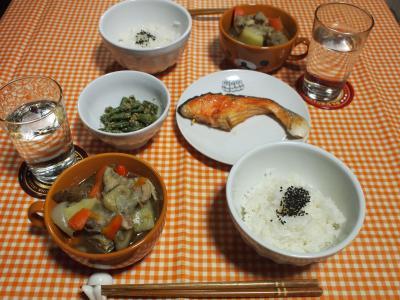 朝食☆鶏肉と野菜の煮物&鮭の塩焼
