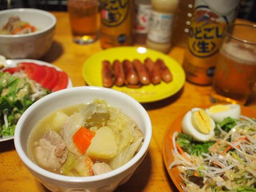晩酌☆鍋のスープでポトフ&ウィンナー焼き&サラダ