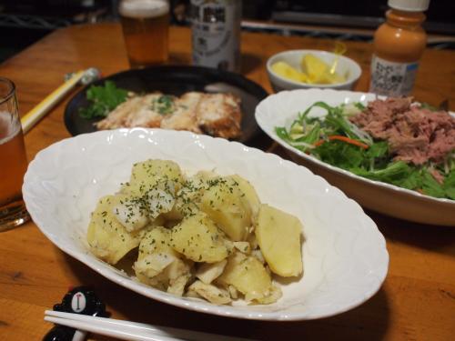 晩酌☆塩だらとじゃが芋の洋風煮&チキン何番(惣菜)&ツナサラダ
