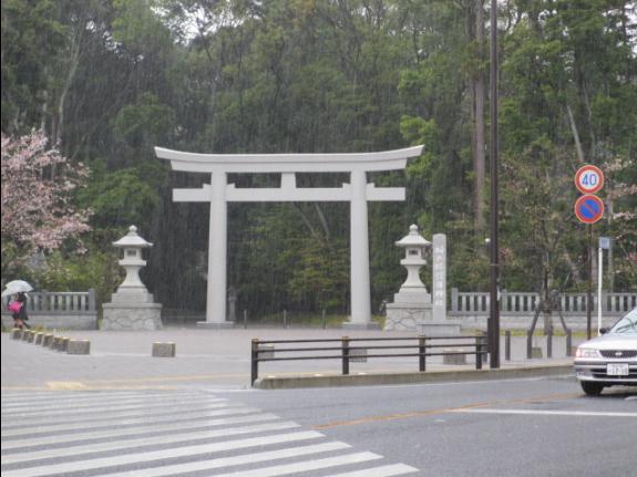 雨の護国神社(栃木)