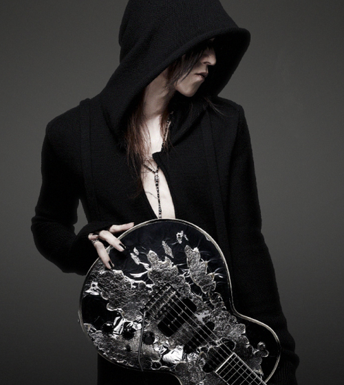SUGIZO.png