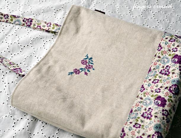 お花のステッチのバッグ