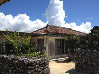 琉球屋根の家屋