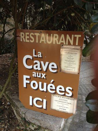La Cave Aux Fouees看板
