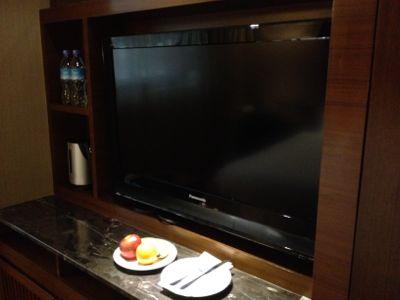 テレビとフルーツ