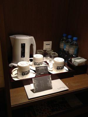 コーヒーメーカーや無料のお水3本