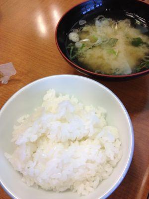 ご飯・味噌汁