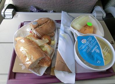 エミレーツ機内食 カサブランカ→ドバイ1