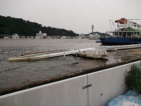 tonami_minato90_2012082004
