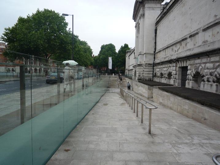 ○TATE、LONDON 1328