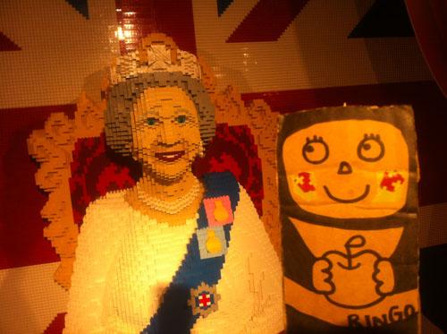 ringo with queen elizabeth
