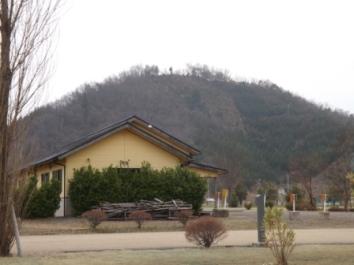 鑓噛山城近景(北から)