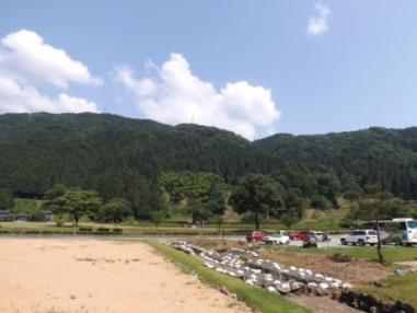 朝倉館と一乗谷城遠望(西から)