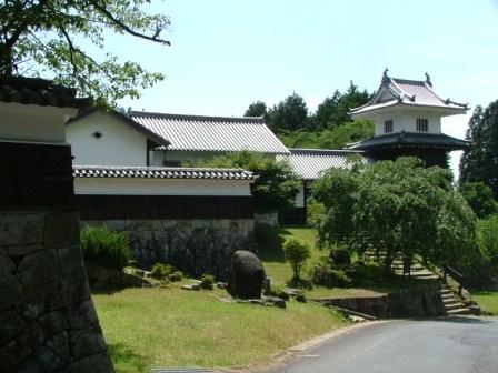 岩村藩校知新館復元建物