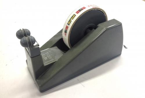 エスカルゴテープカッター1