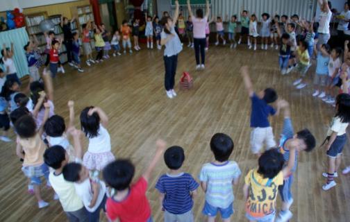 2006-02-09 24年度キャンプ予行遊戯室、アコーディオン 005 (800x536) (772x490)