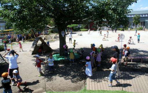 2006-04-11 24年9月、8月誕生会、お店やごっこ、四街道さつき幼稚園園外保育 139 (800x500)