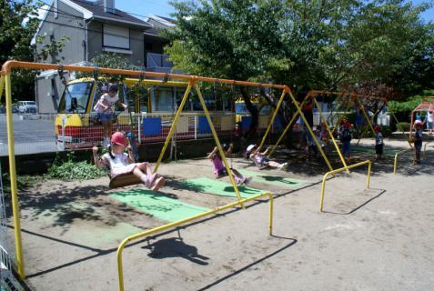 2006-04-11 24年9月、8月誕生会、お店やごっこ、四街道さつき幼稚園園外保育 149 (800x536)