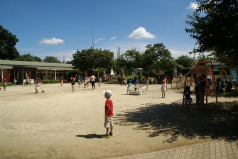 2006-04-11 24年9月、8月誕生会、お店やごっこ、四街道さつき幼稚園園外保育 134 (800x535) (800x535)