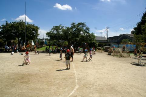 2006-04-11 24年9月、8月誕生会、お店やごっこ、四街道さつき幼稚園園外保育 133 (800x532)