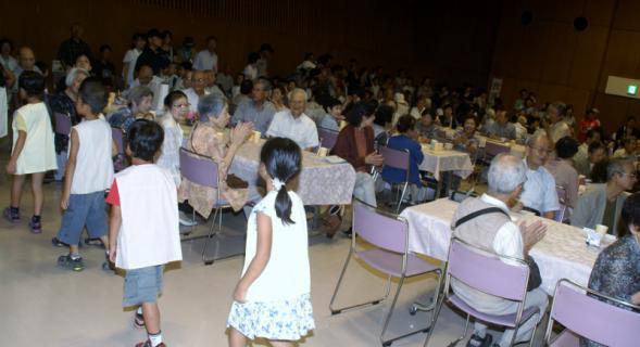 2006-04-17 24年度敬老会9月14日 021 (800x434)