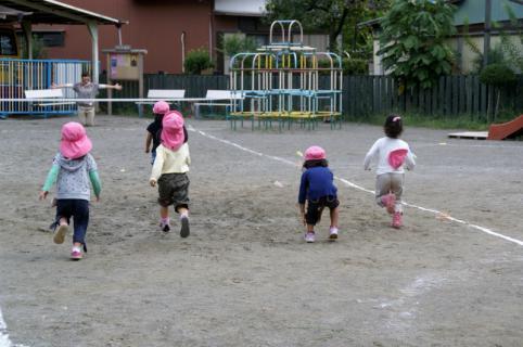 2006-04-27 24年9月26日かけっこ、実習生集合 013 (800x531)