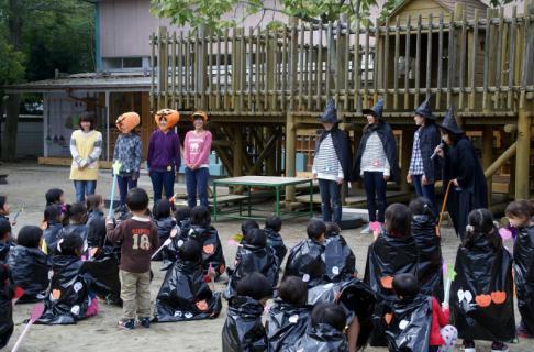 2006-06-01 24年度ハローウィン当日の様子 023 (800x526)