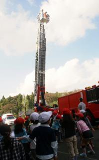2006-06-08 24年度消防署 053 (498x800)