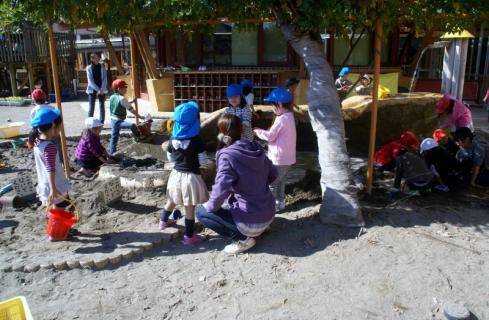2006-06-09 24年度四街道さつき幼稚園来園 017 (800x523)