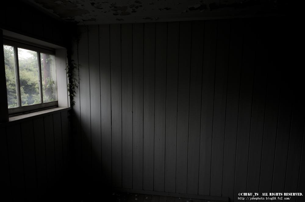 白い廃校120521-4