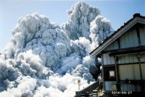御嶽山噴火画像
