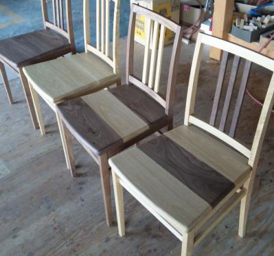 椅子、完成