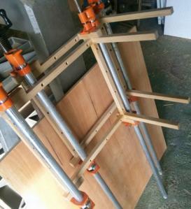 コーヒーテーブル脚の組立2