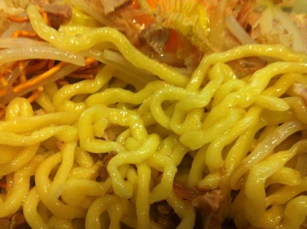 麺屋 十郎兵衛  がっつり塩油そば(大盛り)二杯目 麺