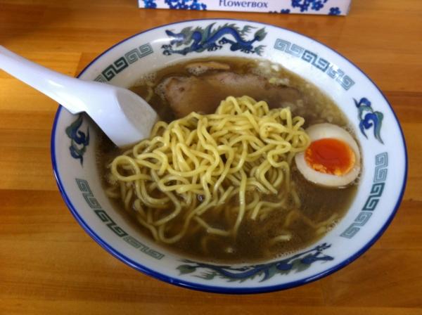 ラーメンタンポポ 煮干し中華 麺