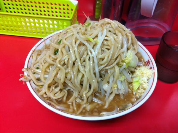 ラーメン二郎 仙台店 小ラーメン ニンニクアブラカラメ 麺