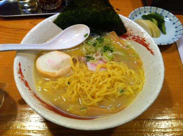 ふるさと 鶏ぱいたんらーめん(塩) 麺