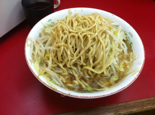 ラーメン二郎 京急川崎店 小ラーメン(ニンニクアブラカラメ) 麺